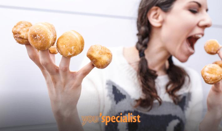 le 10 strategie più efficaci per smettere di mangiare troppo