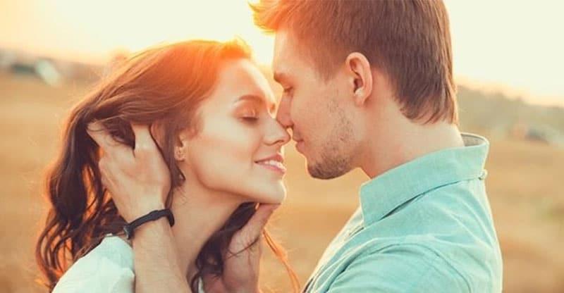 consigli per ridurre lo stress, il bacio