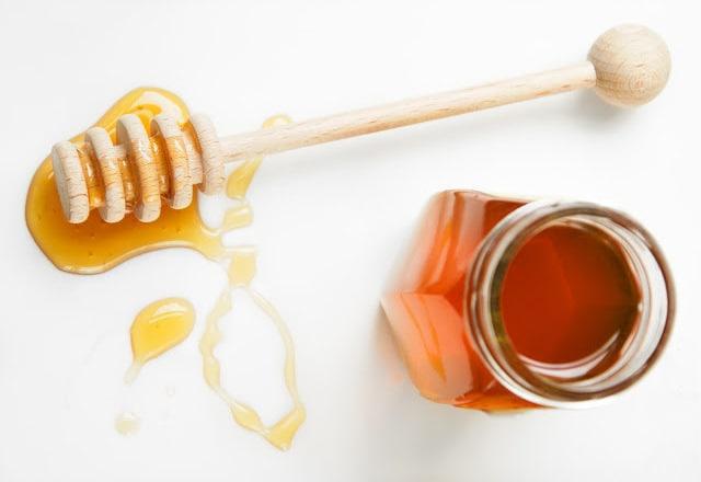 Dolcificanti naturali: sostituti naturali dello zucchero: il miele