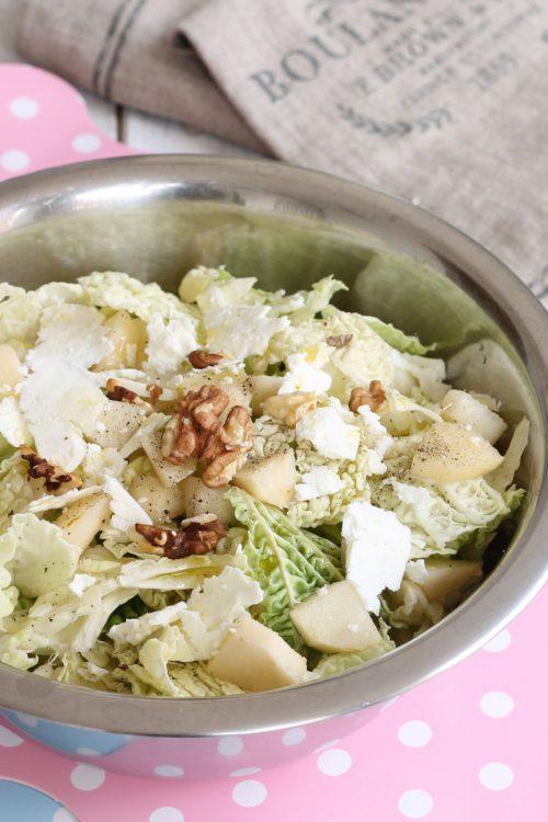 insalata-verza-cruda-pere feta e noci giallo zafferano