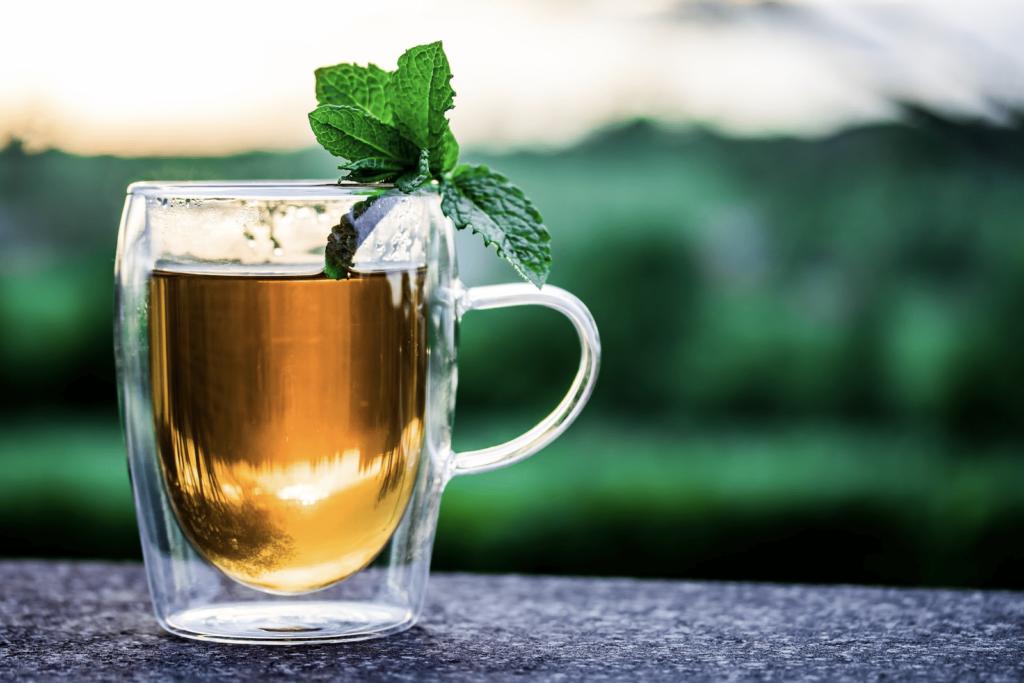 rimedi naturali rughe: tisana melissa