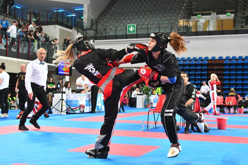 attività agonistica su TATAMI kickboxing